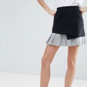 Mini Skirt Pleated Stripe Contrast Hem NWOT
